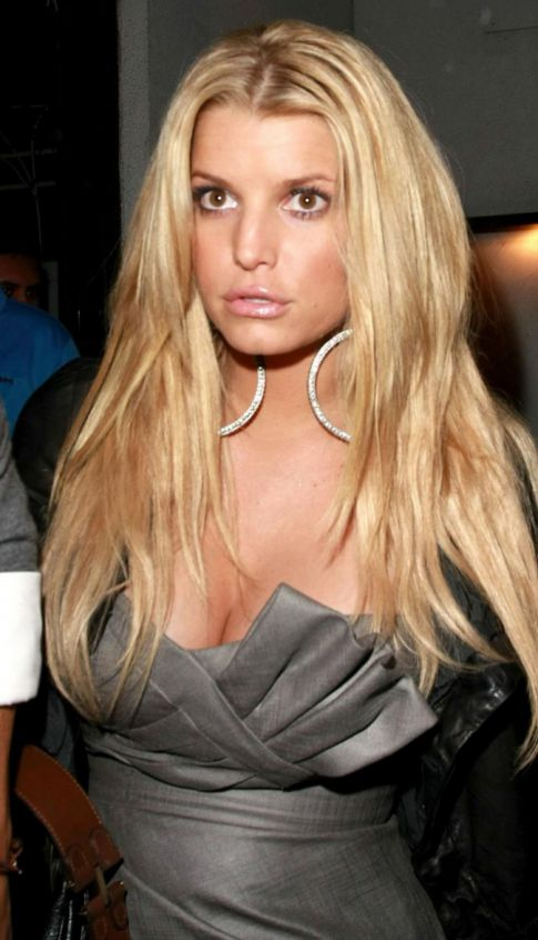Jessica Simpson - Page 3 Jessica-simpson-worth-400-million-dollars-what-the-what-page-view-img-1