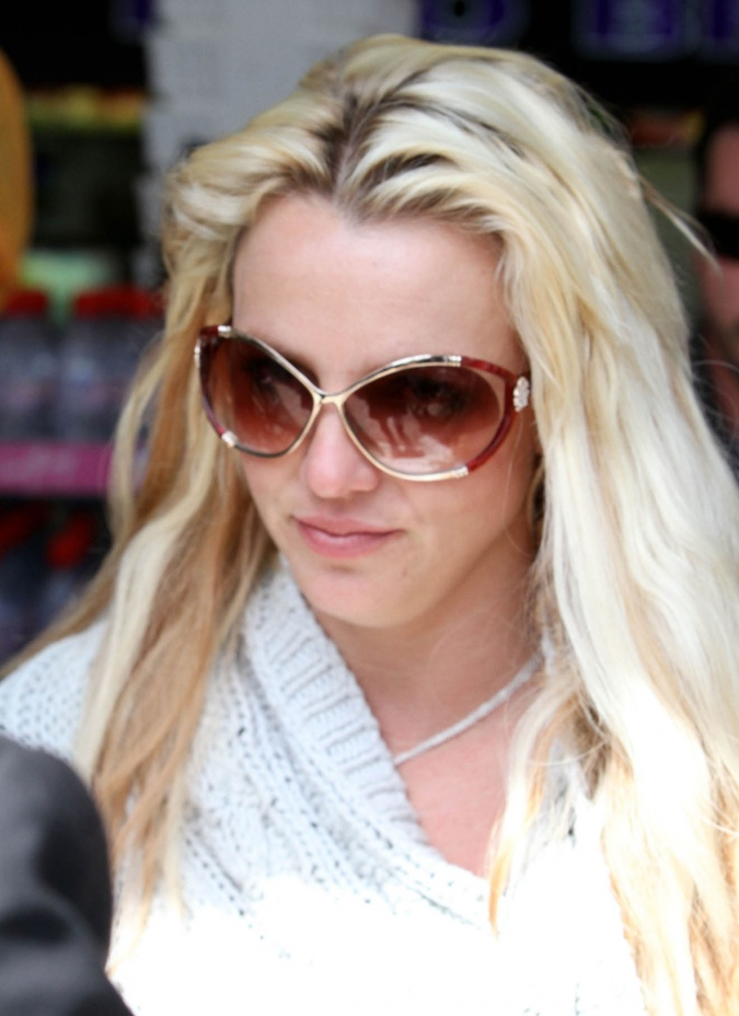 naked photos of britney spears. The Naked Harassing Britney
