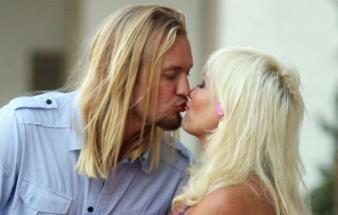 linda hogan and charlie hill 2011. Linda Hogan aka Cougartown was