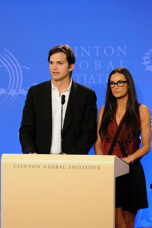 ashton kutcher and demi moore wedding pics. Demi Moore amp; Ashton Kutcher