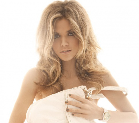 AnnaLynne McCord Gets Naked. Nothing gets your morning going quite like ...