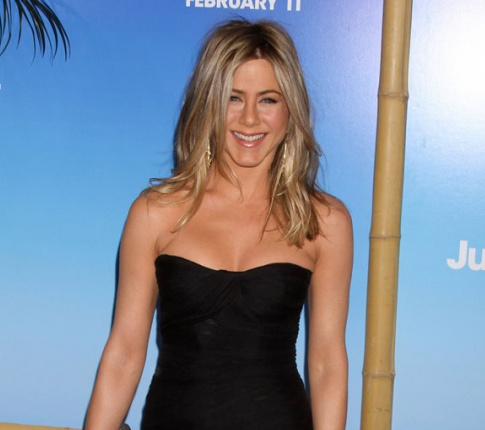 "Jennifer Aniston Apparently Bans Heidi Montag From ""Just Go With It"" Premiere"
