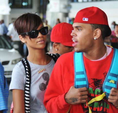 rihanna pregnant with chris browns baby page view img 1 Rihanna pregnant,