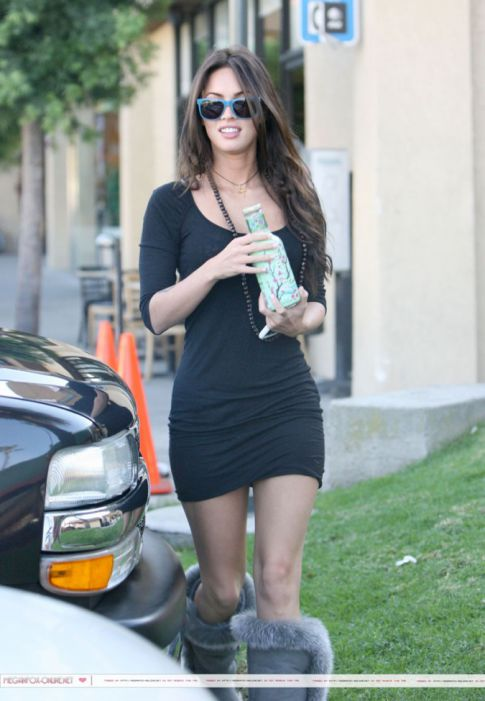 Megan Fox Dress Up Games. Megan Fox in Tight Black Dress