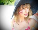 Scantily clad Taylor Swift celebrates 4th of July