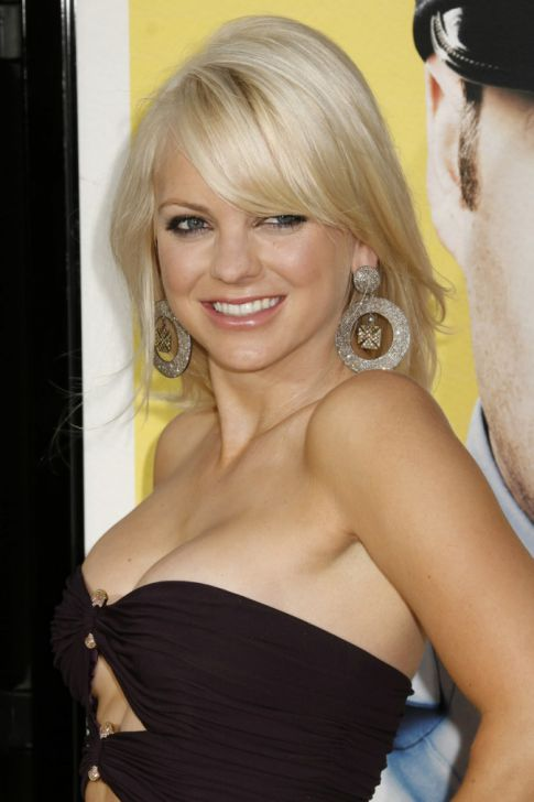 anna faris house bunny pictures. House Bunny Anna Faris is
